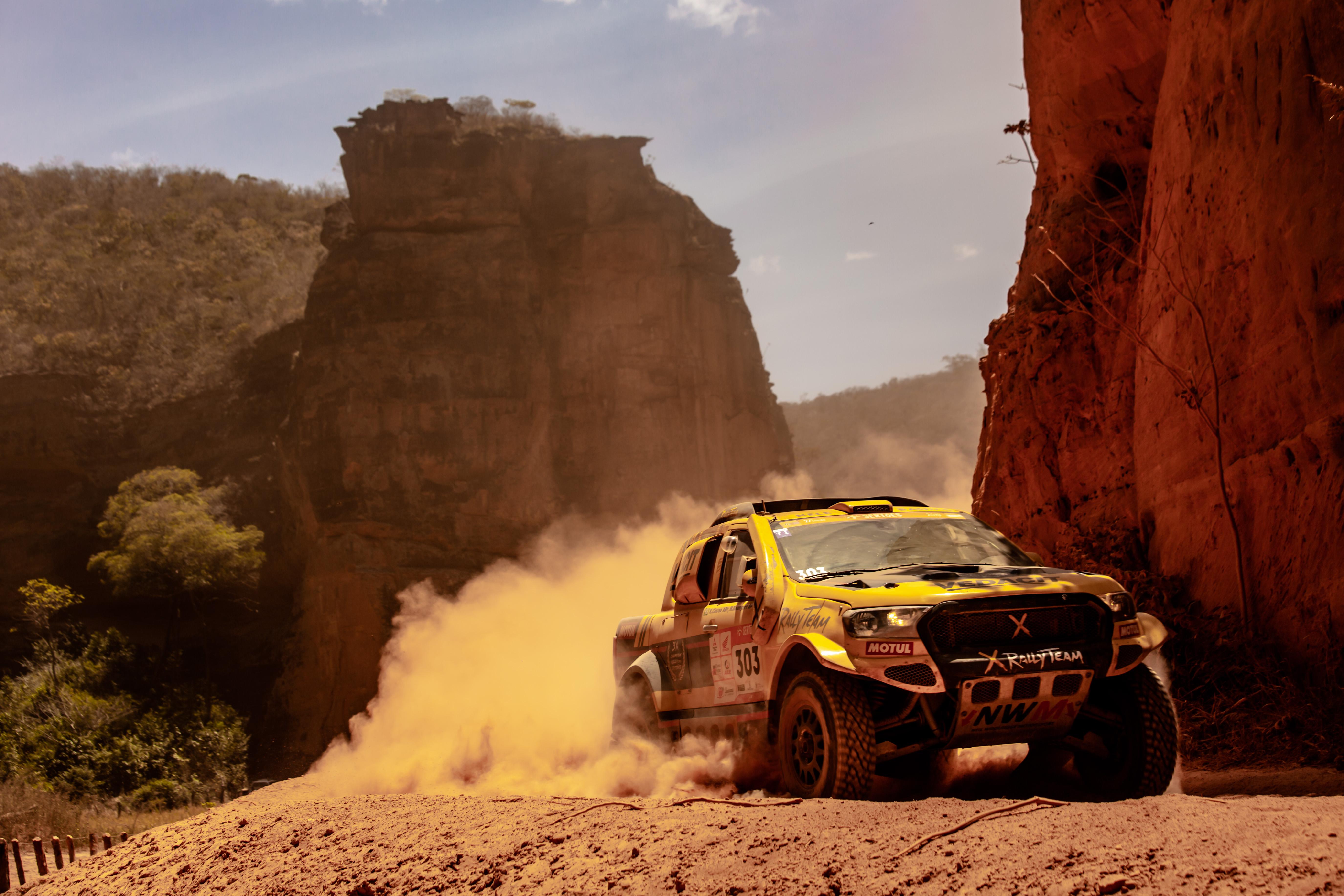 X Rally Team enfrenta desafio extra nos dias finais do Sertões