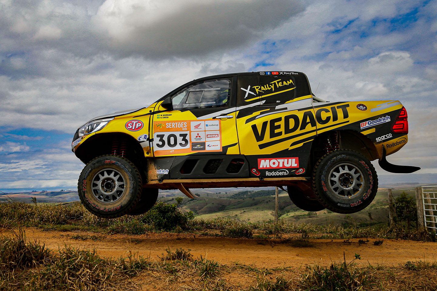 X Family Rally Team wins again in Sertões