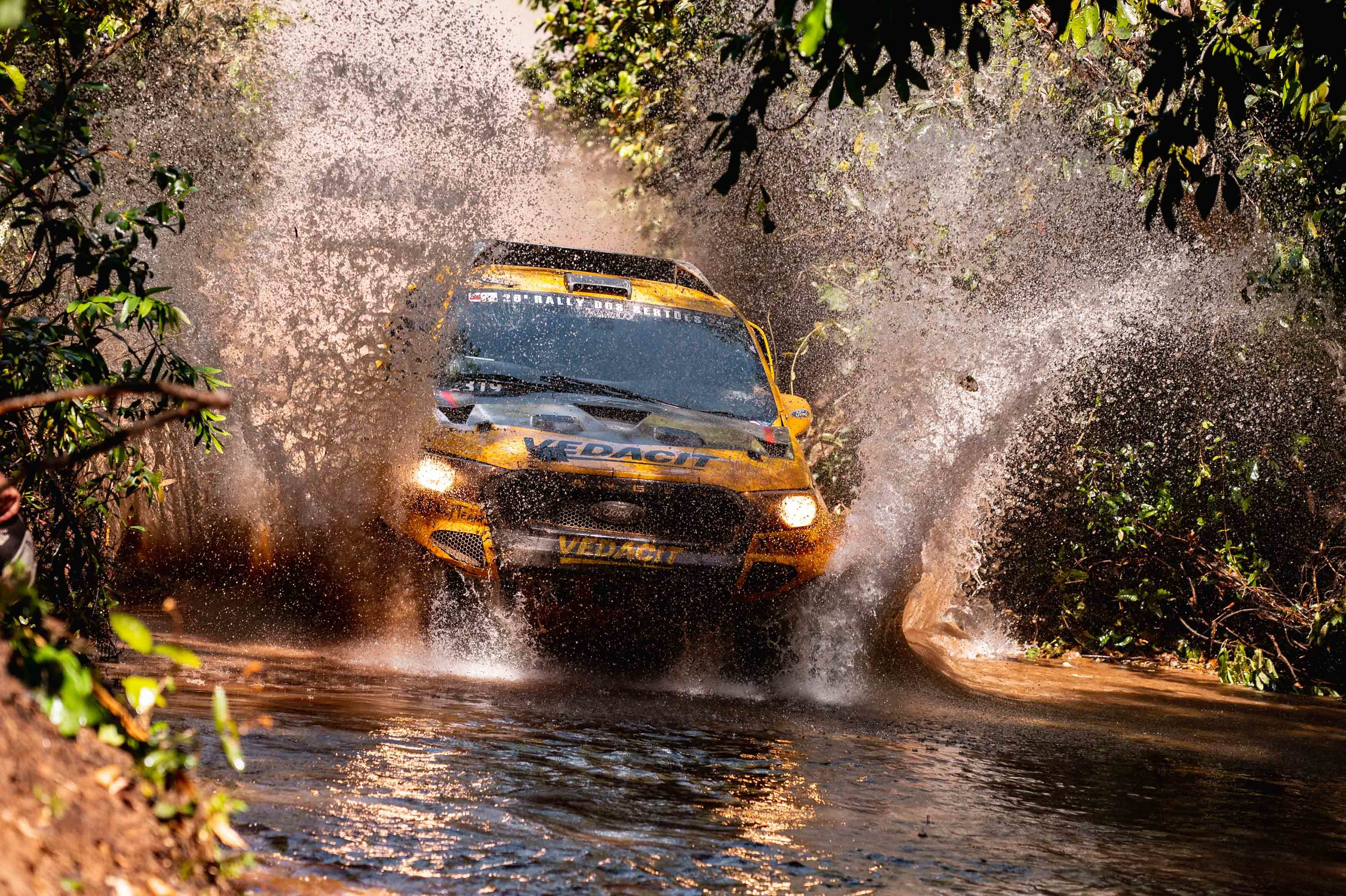 Gareth Woolridge wins stage 3 in the Rally dos Sertões