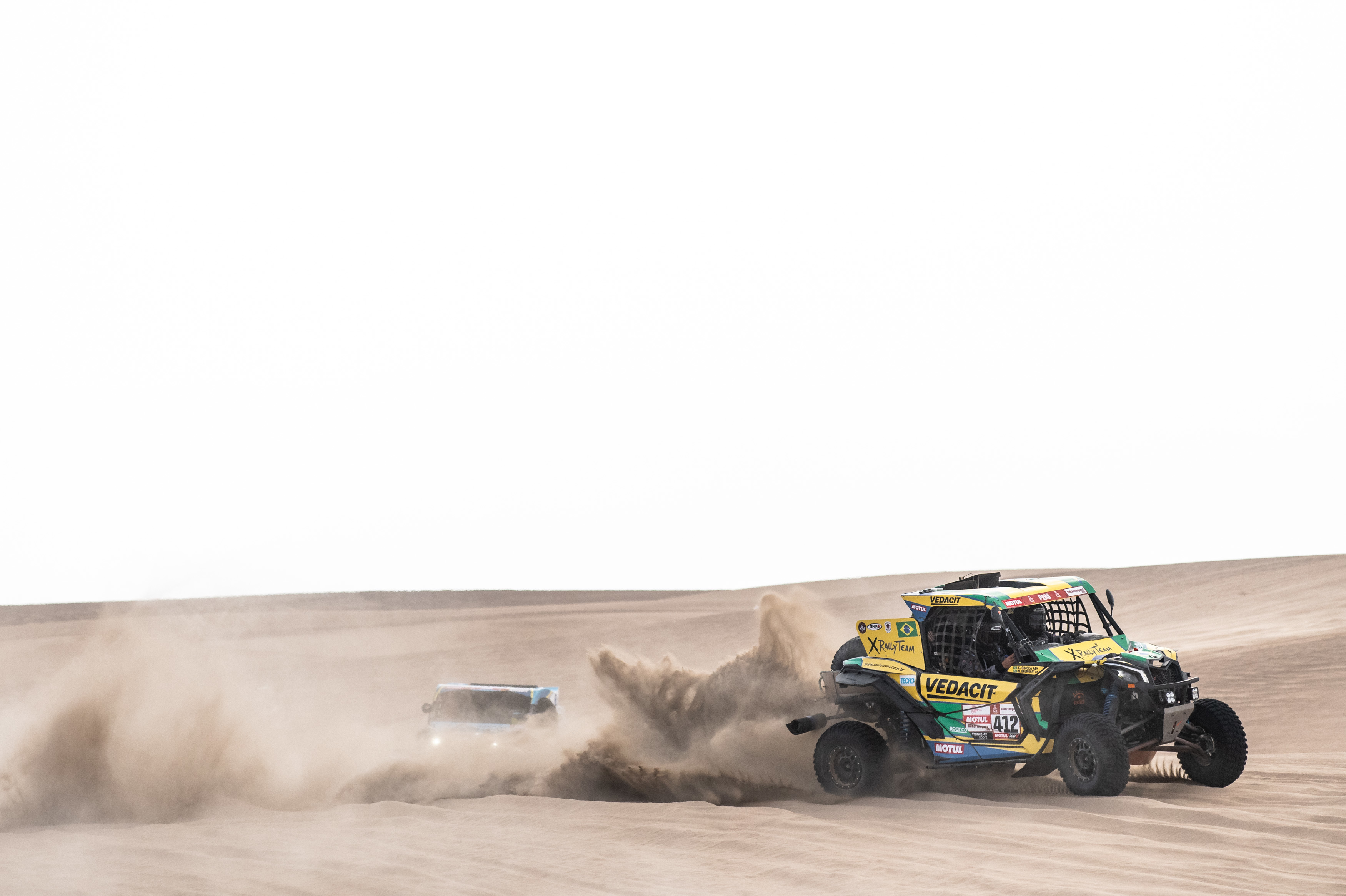 Duplas da X Rally Team enfrentam dificuldades, terminam penúltima especial e permanecem no top-10